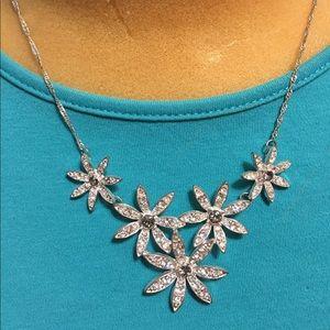 Jewelry - Flower necklace with gray stones & rhinestones